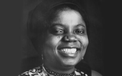 Book Review: The Joys of Motherhood by Buchi Emecheta